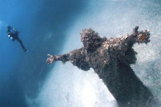 01 Christ of the Abyss at San Fruttuoso, Italy