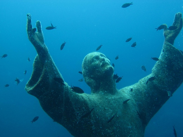 01 Christ of the Abyss at San Fruttuoso, Italy2