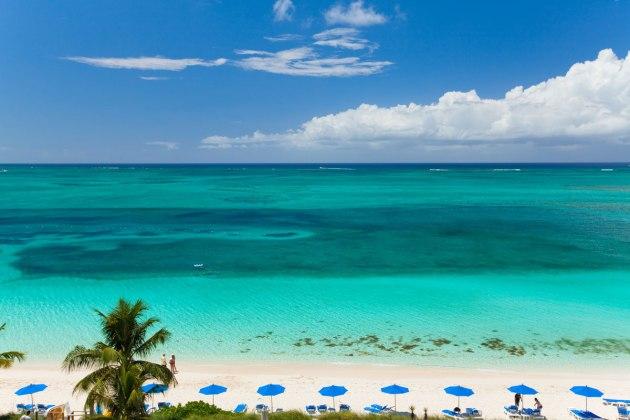 Grace Bay, Turks e Caicos, RG Local